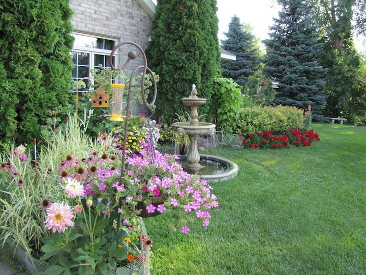 Beautiful Home / Beautiful Garden