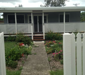"""Iris Cottage"" of Caboolture North."