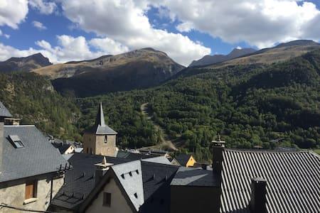 Disfruta de los Pirineos - panticosa - Lejlighed
