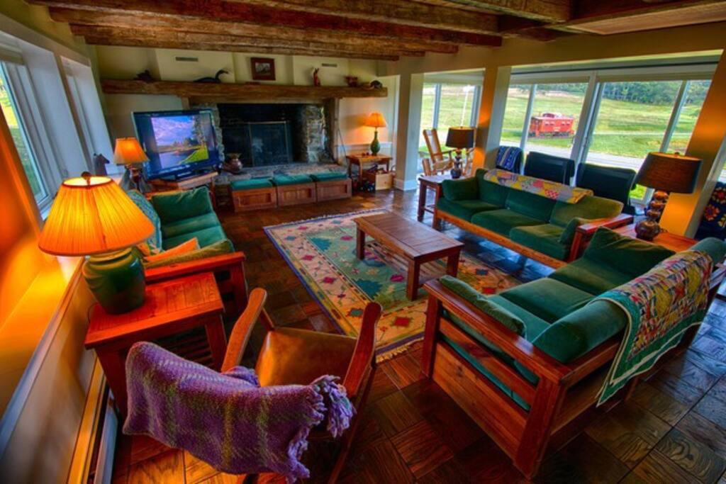 Washington House Family Room