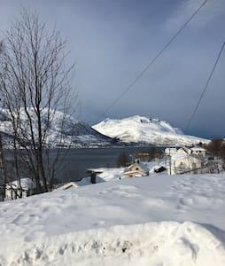 Appartment in Kaldfjord, Kvaløy - Tromsø - อพาร์ทเมนท์