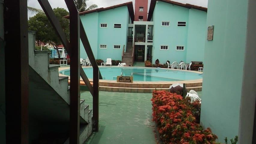 Área da piscina e do bloco B do Condomínio