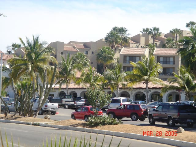 One-bedroom condo in prime location - San José del Cabo - Departamento