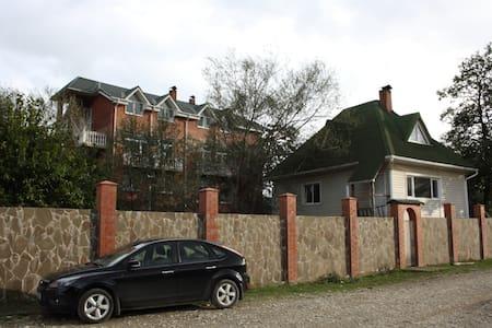 семейная гостиница  - Tuapsinskiy - 独立屋