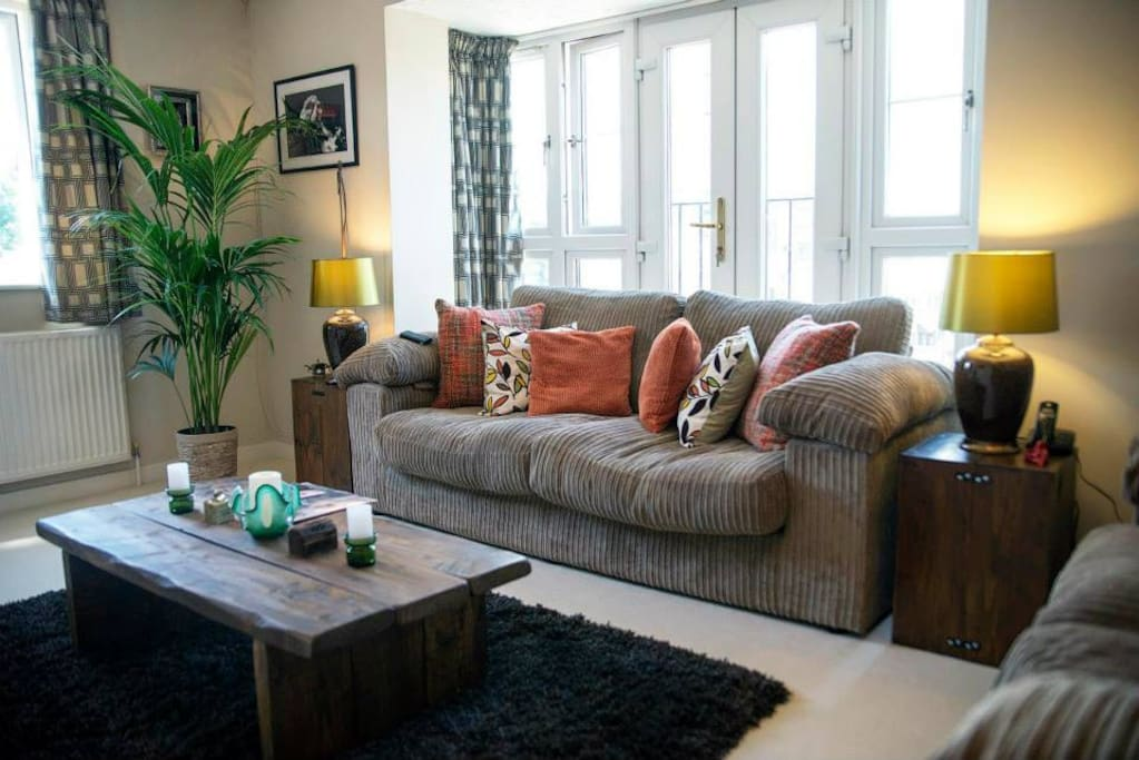 Funky east end flat near the tube apartments for rent in for Funky house london