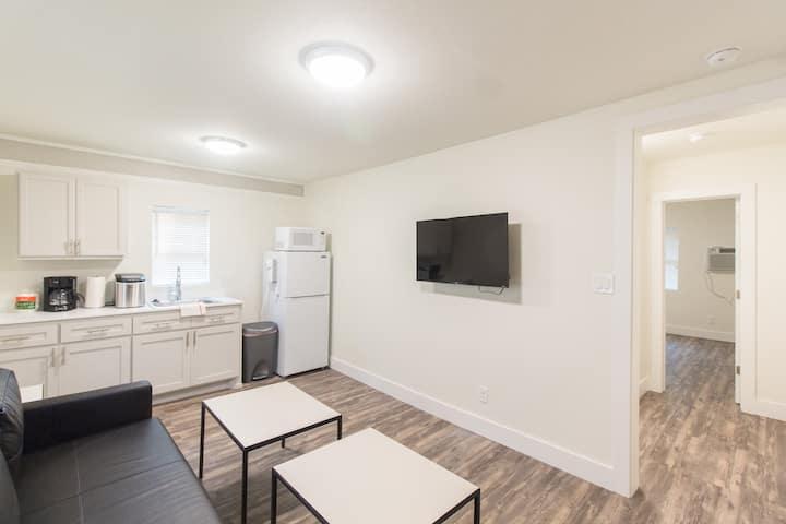 Unit D - Beautiful 1 bed apartment in Bishop Arts
