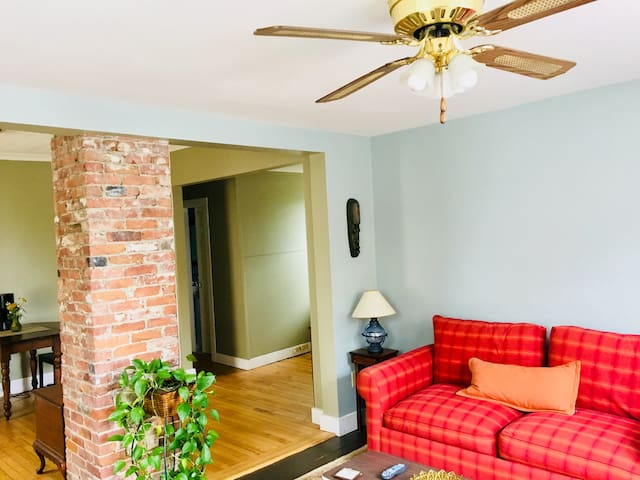 Clean, quiet apartment with private entrance, parking and outdoor space to enjoy. Great location! Perfect for a relaxing weekend getaway to Portland.