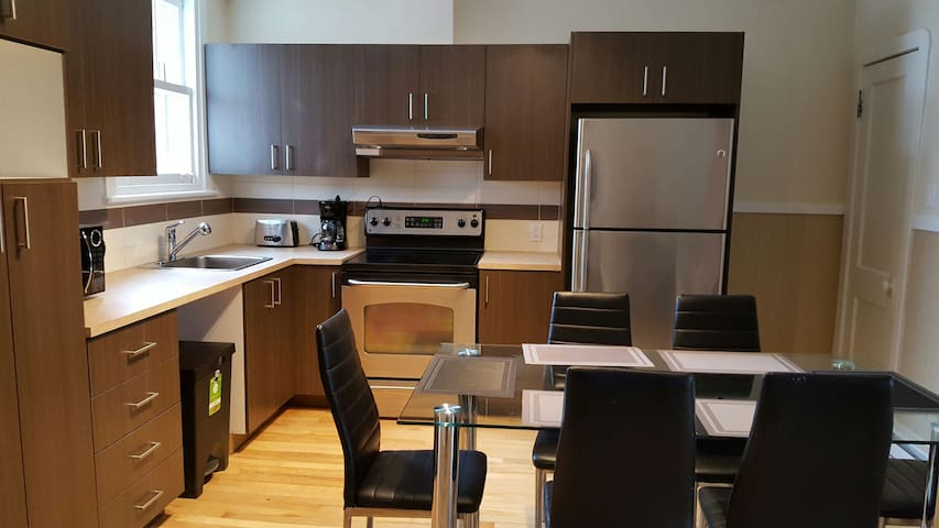 Rénové et lumineux appartement de 3 chambres - Ville de Québec - Apartment