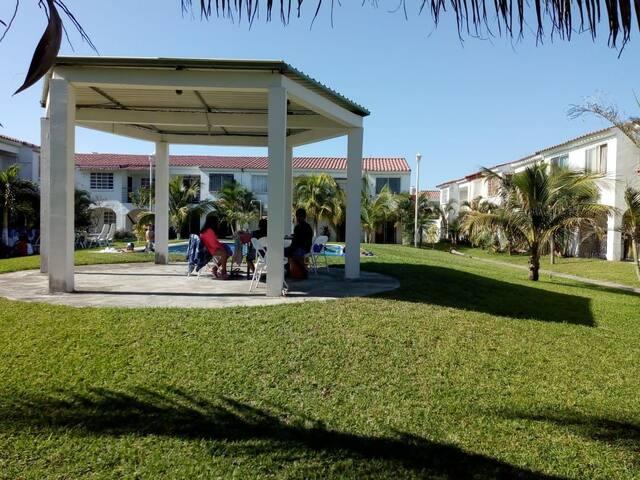 Bonita casa vacacional climatizada con Alberca
