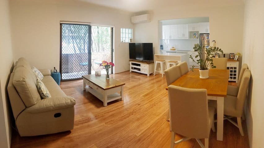 Modern Apartment Close to Randwick, UNSW & City