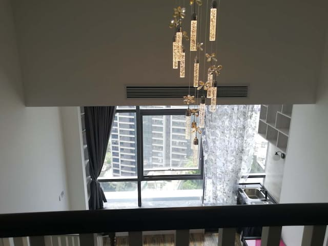 复式总统套房酒店式公寓,上下2层,24小时热水中央空调