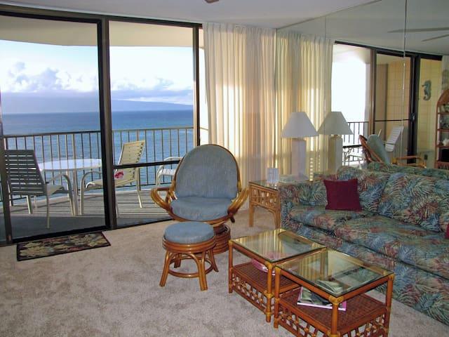 Oceanfront Valley Isle Resort 1009