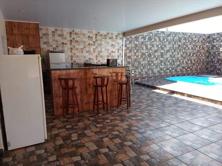 Area de lazer/Casa com piscina em Fernandópolis
