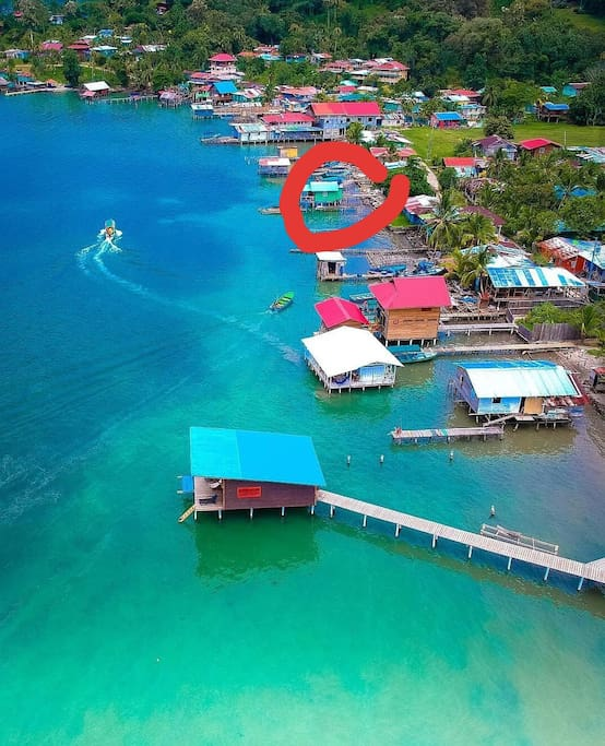 Casa Takalua is circled in red. The white roof below is the restaurant where breakfast is included.