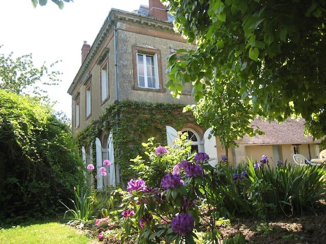 Charming 3 bed house nr Montargis, 5 sleeps