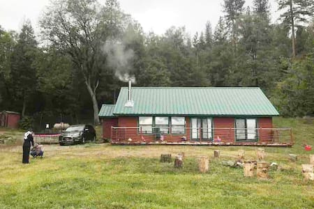 Comfortable and Private Cabin near Shaver Lake
