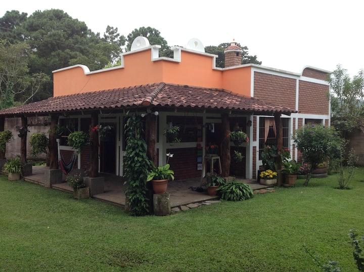 """Casa de Campo """"Los Cipreses"""" en Ataco, Ahuachapan."""
