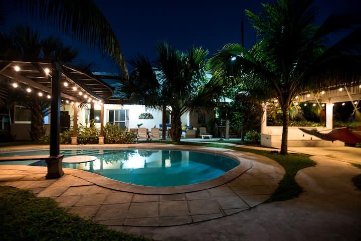 "Monterrico ""El Resort"""