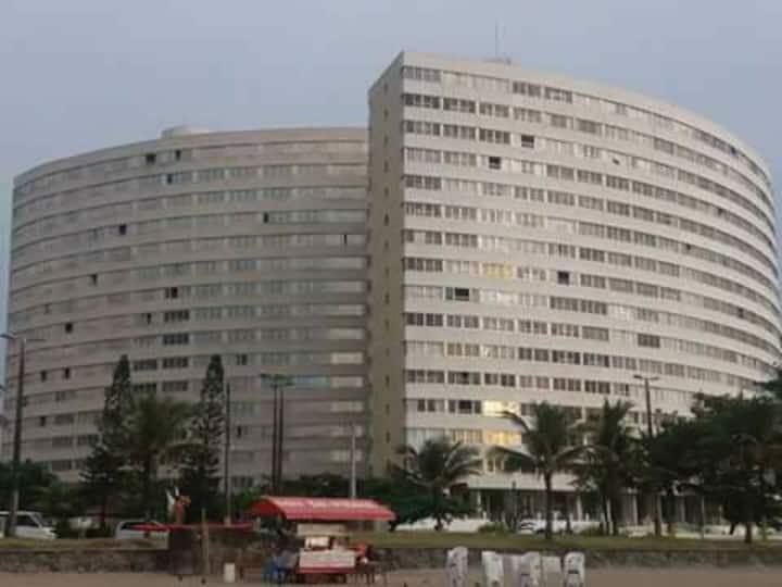 Apartamento frente ao mar no centro
