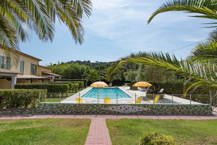 VILLA-PISCINE-LUXE-RELAX-PARKING-AIR COND. TERRACE - Saint-Tropez - Haus