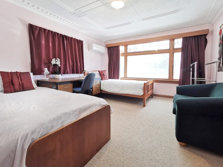 Room C  Two Single Beds
