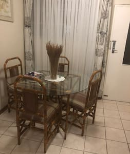 Immaculate 1 & 1/2 bed self serviced apartment