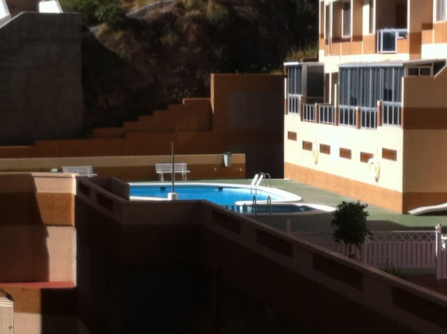 disponibilidad para uso de piscina, siempre con mantenimiento al día