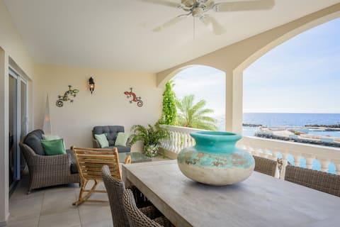Luxury 2 bedroom Seafront Villa - Tropical Lagoon