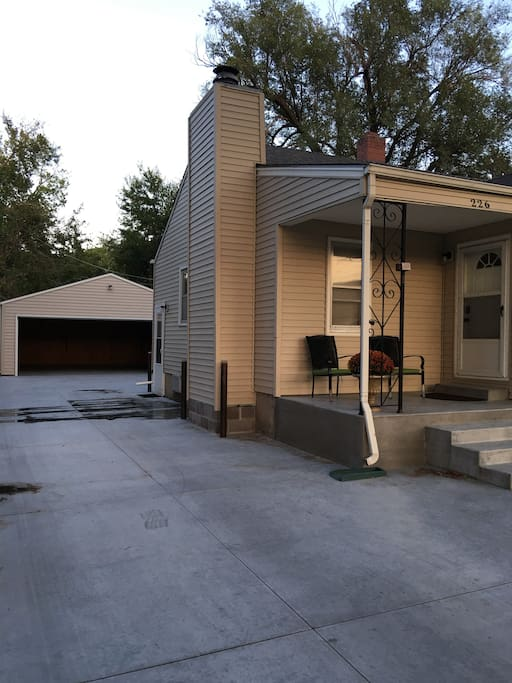 Front of home and Garage