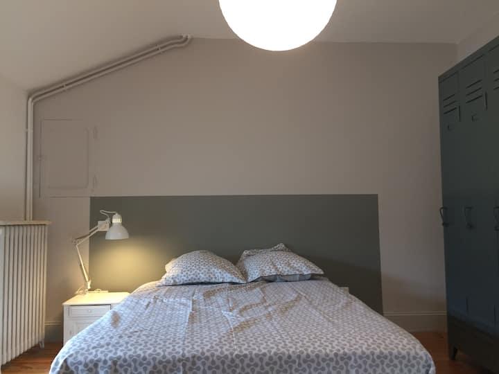 Belle chambre indépendante en centre ville, 15m².