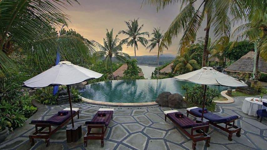 Amazing Lake View Bungalow - Melaya - วิลล่า