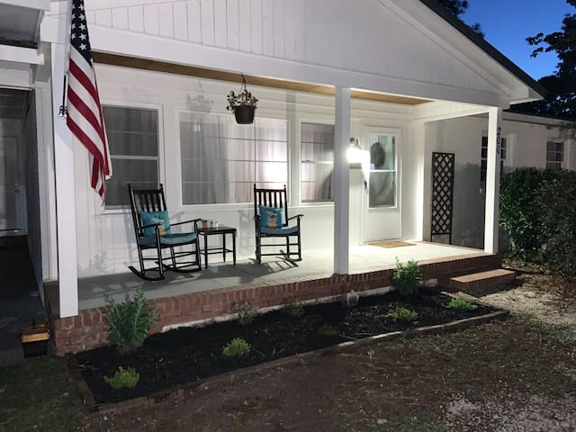 Downtown Bungalow—Near Base, Golf, Dining, Brewery