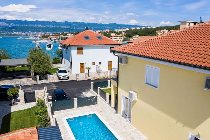 Beach VILLA OASIS With Swimming Pool,SUP & Seaview