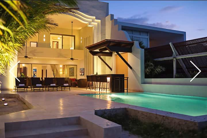Villa Alejandrina Casa de Playa frente al Mar