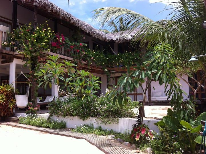 6 SUITES 250M2 BEACH HOUSE