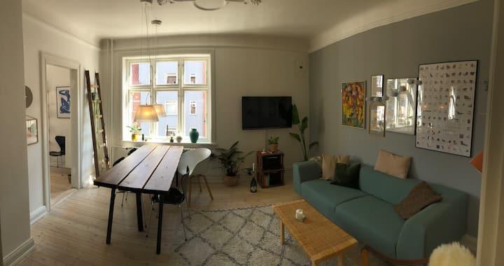 Rummelig 3 Vær. lejlighed i hjertet af Aarhus C.