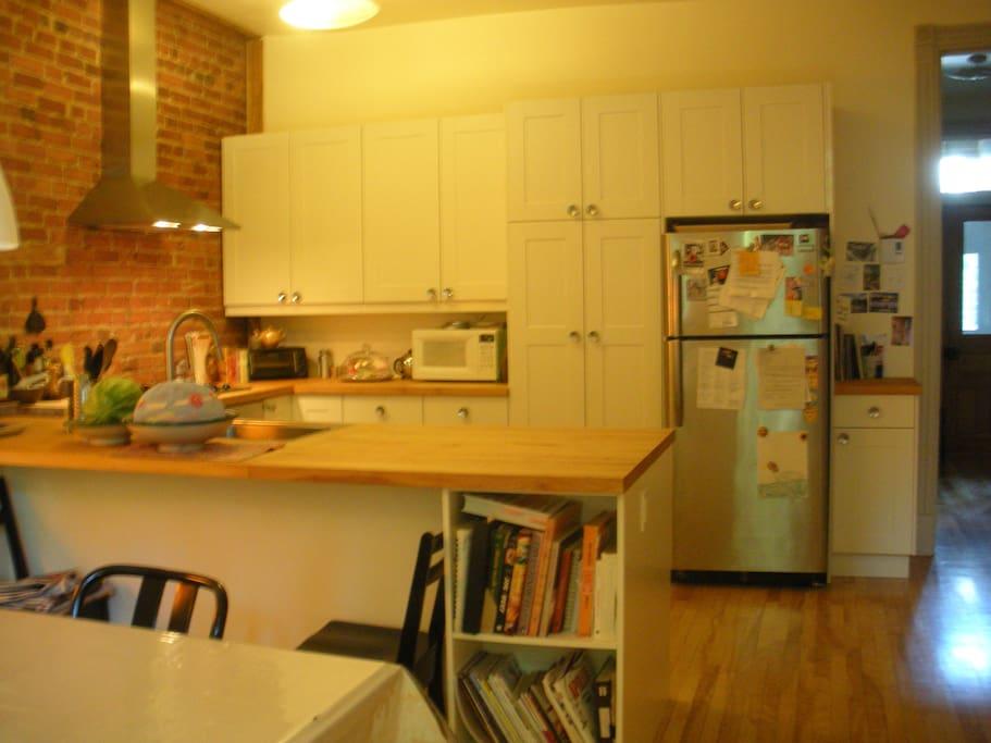 vue de la cuisine à partir de la salle à manger