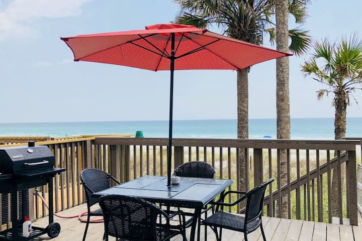 NEW LISTING! Lovely beachfront home w/ a spacious deck - dogs OK!