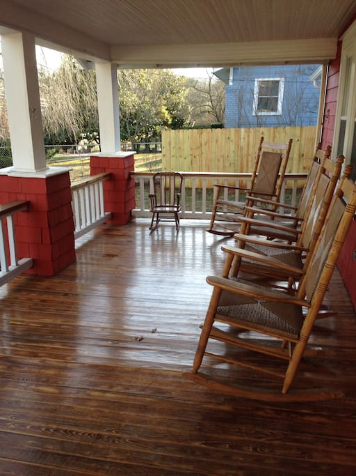 Red Rocking Chairs On Front Porch ~ The red cottage great location houses for rent in