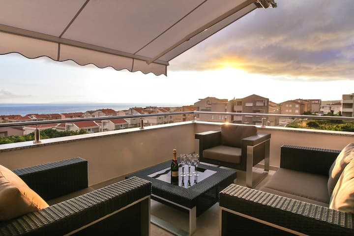 One bedroom apartment with terrace and sea view Novalja, Pag (A-11775-a)