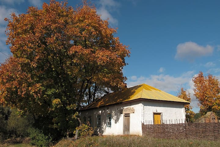 Hostel in art village Obyrok - Baturyn - Dom