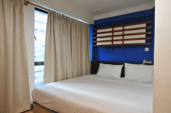 Deluxe room near train station Kuala Lumpur
