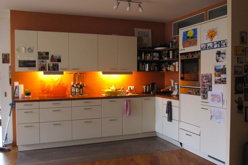 Kitchen space - fully equipped - in living room