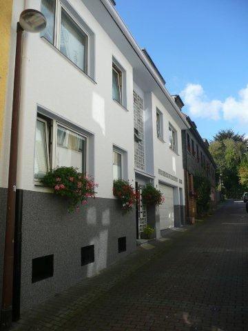 Ruhige Seitenstrasse