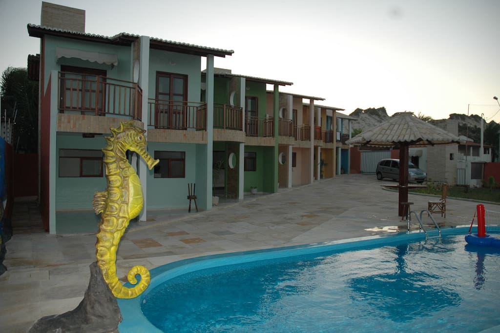 Portal de Buzios is a private condo with great ocean view and access to the park of the Dunas