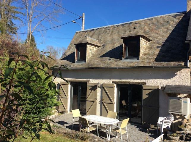 Maison de montagne avec espace vert