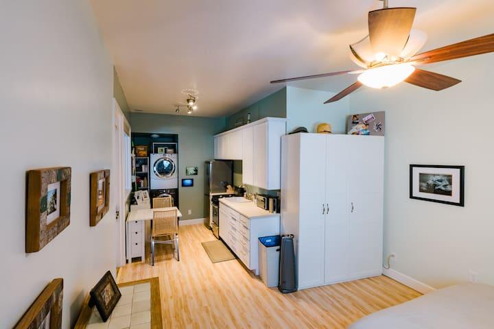 Creekside Downtown Studio Apartment! - San Luis Obispo - Huoneisto