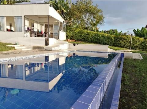Finca privada en Palestina - Caldas con piscina