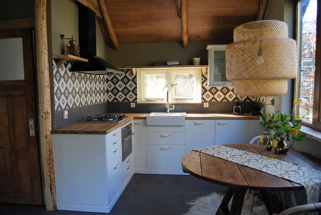 Kitchen-fully equipted