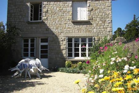 Maison 3 kms plages près de St Malo - Ploubalay - Dom